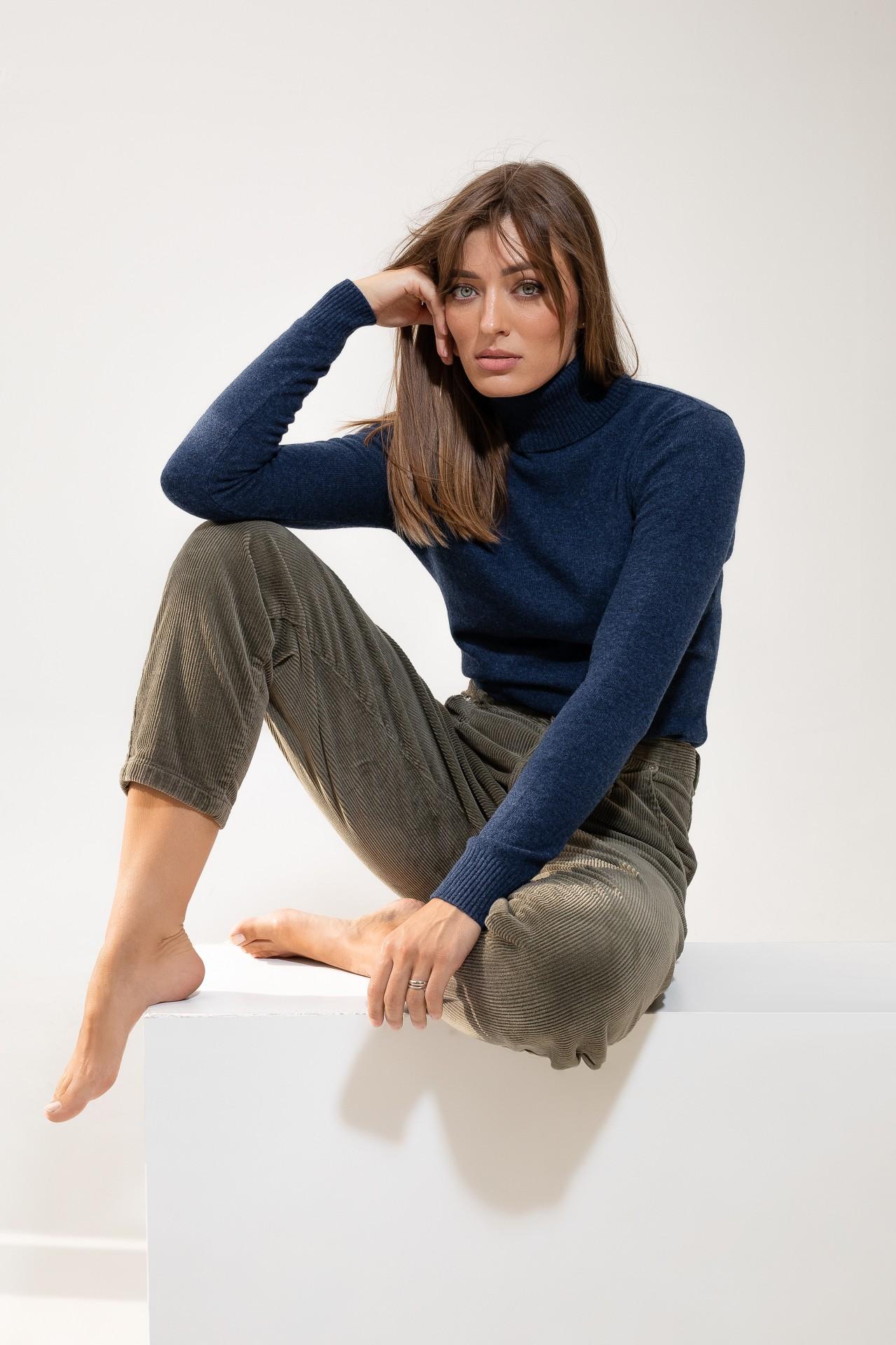Turtleneck Jeans Blue